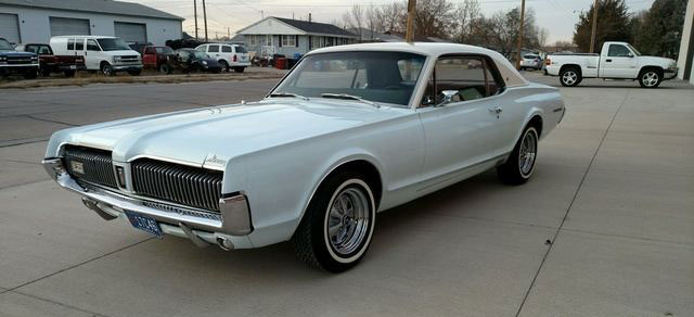 1967 Two-Tone Paint Cougar