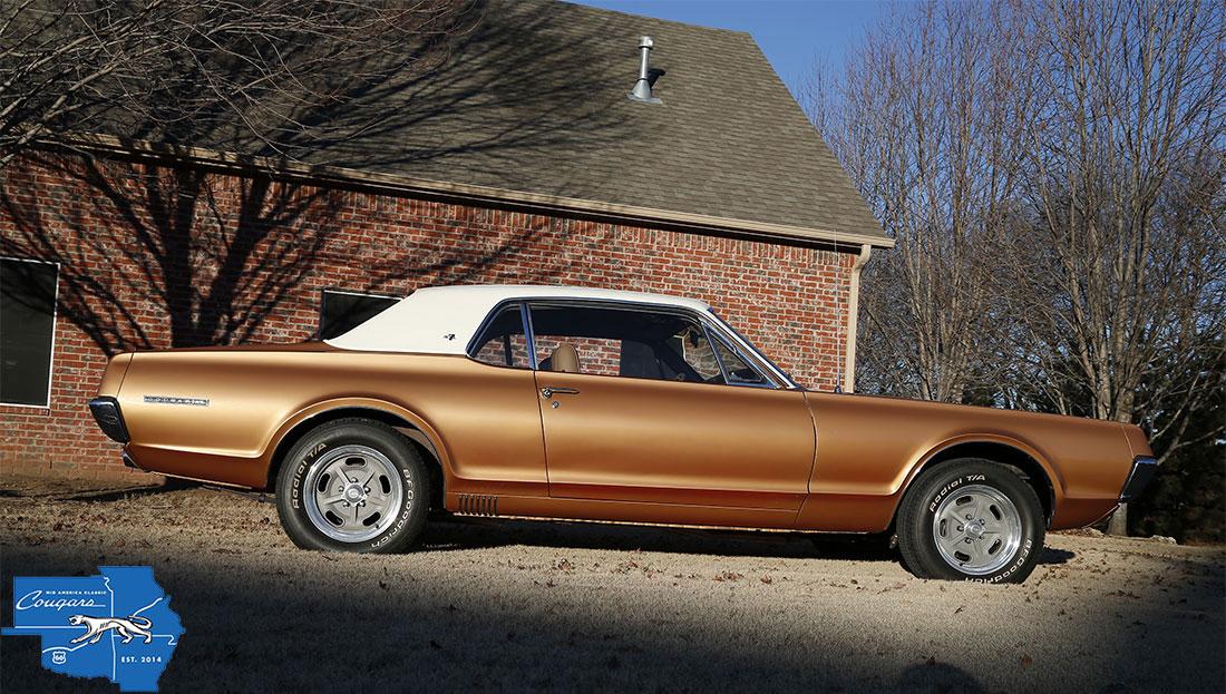 #08693 Charlie Brown 1967 Mercury Cougar XR-7