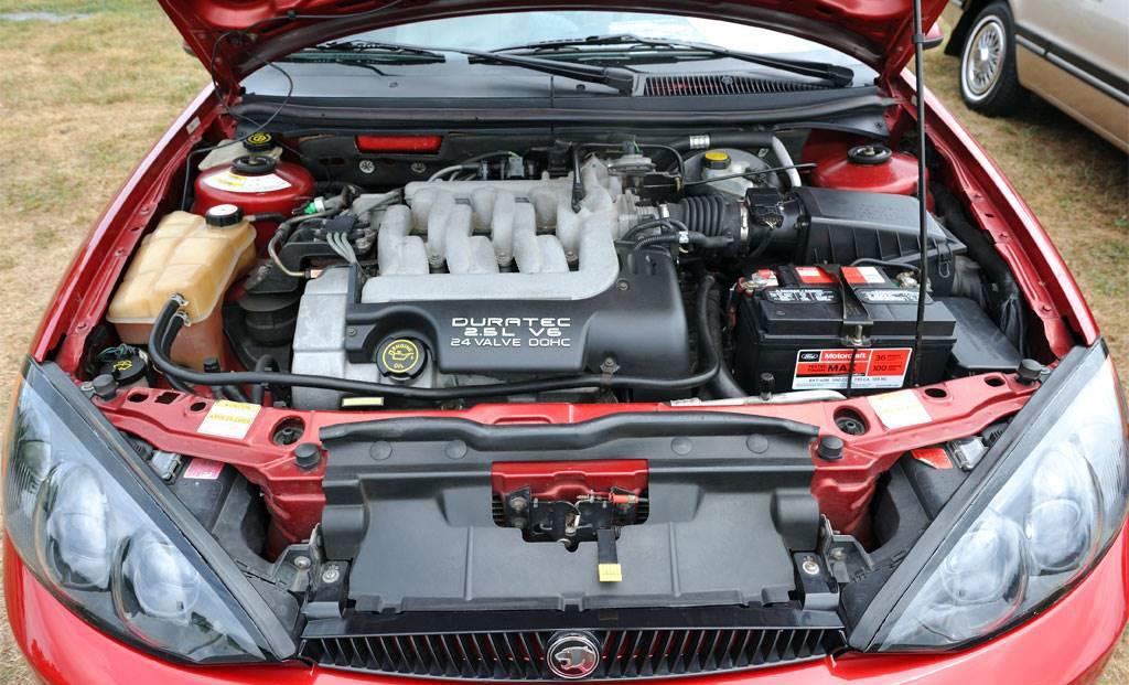 2000 Roush Edition Mercury Cougar Engine